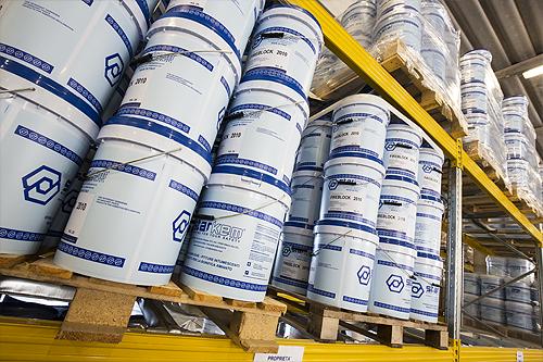 Azienda per la produzione di pitture vernici intumescenti e ignifughe vernici per eternit amianto - magazzino del produttore